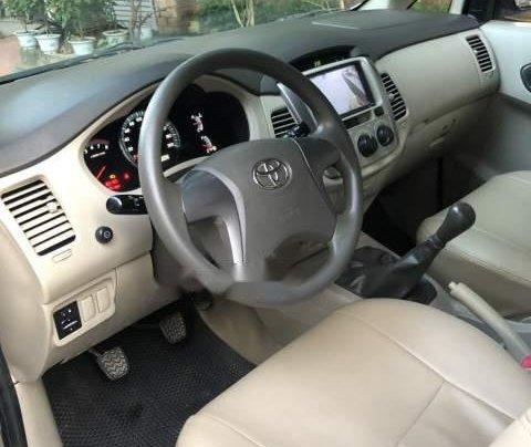 Bán Toyota Innova E đời 2015, màu bạc, chính chủ 4