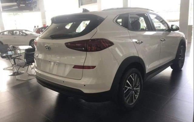 Bán xe Hyundai Tucson đời 2019, màu trắng, xe nhập3