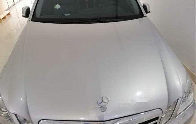 Bán xe Mercedes E250 đời 2011, màu bạc, 980 triệu2