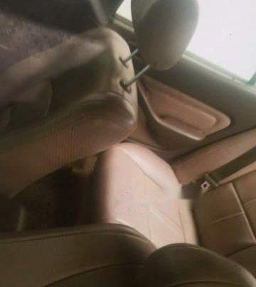 Bán xe Toyota Camry đời 1996, màu đen, xe nhập2