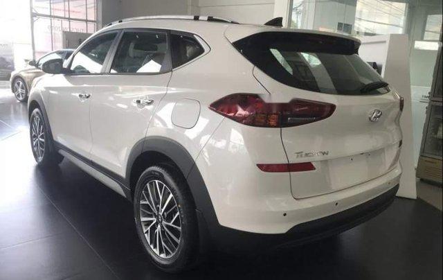 Bán xe Hyundai Tucson đời 2019, màu trắng, xe nhập2
