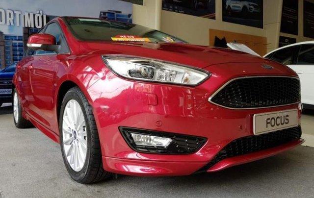 Bán xe Ford Focus sản xuất 2019, màu đỏ1