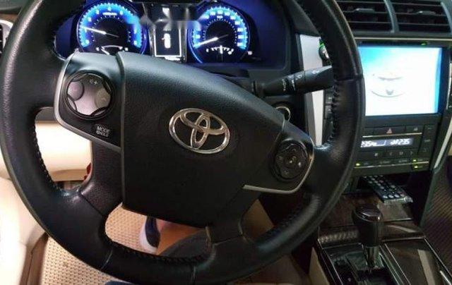 Bán xe Toyota Camry sản xuất 2016, màu đen 3