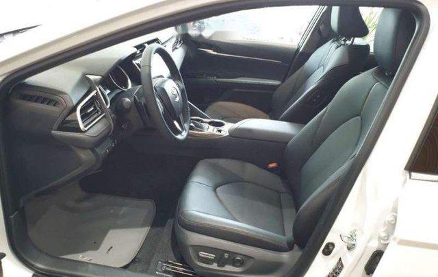 Bán xe Toyota Camry 2.5Q năm sản xuất 2019, màu trắng, nhập khẩu3