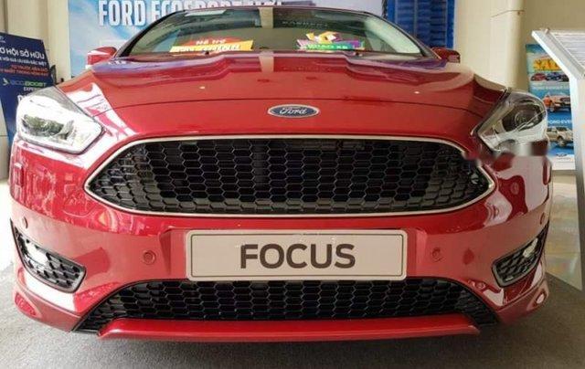 Bán xe Ford Focus sản xuất 2019, màu đỏ0