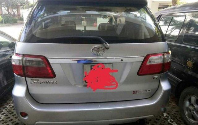 Chính chủ bán Toyota Fortuner đời 2011, màu bạc4