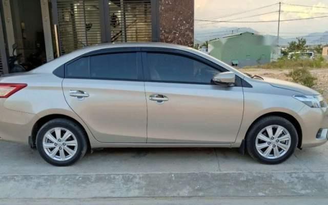 Bán Toyota Vios sản xuất 2017, màu vàng cát như mới, giá 465tr1
