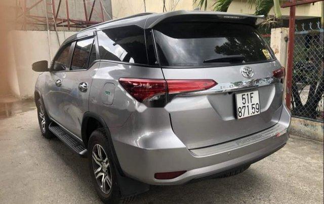 Chính chủ bán Toyota Fortuner 2.7V AT năm 2017, màu bạc, xe nhập2