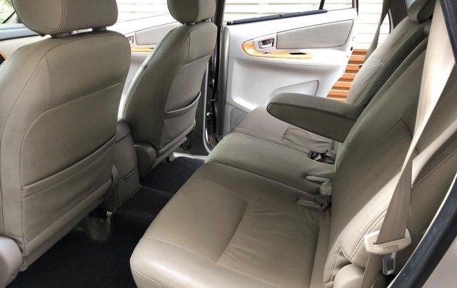 Cần bán Toyota Innova G SR 2011, số sàn, màu vàng cát8