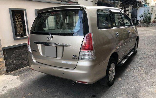 Cần bán Toyota Innova G SR 2011, số sàn, màu vàng cát11