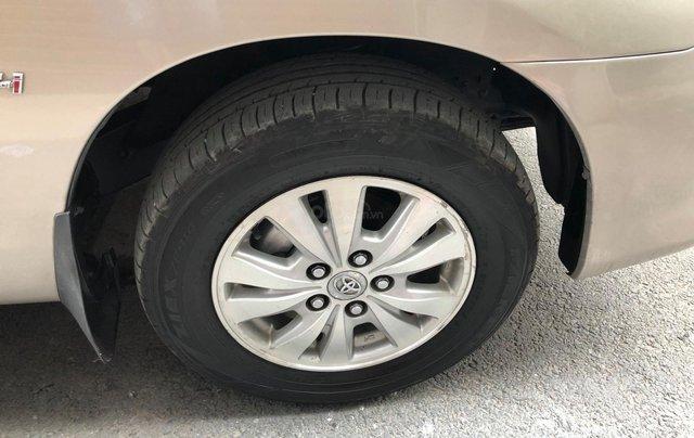 Cần bán Toyota Innova G SR 2011, số sàn, màu vàng cát13