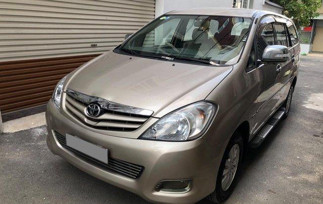 Cần bán Toyota Innova G SR 2011, số sàn, màu vàng cát14