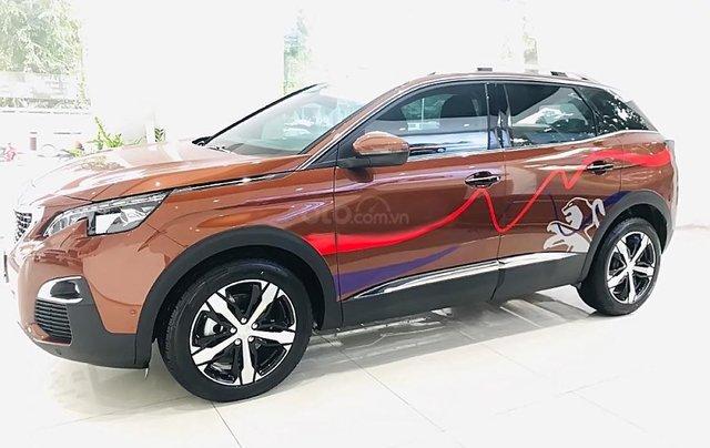 Cần bán xe Peugeot 3008 1.6 AT sản xuất năm 2019, màu nâu0