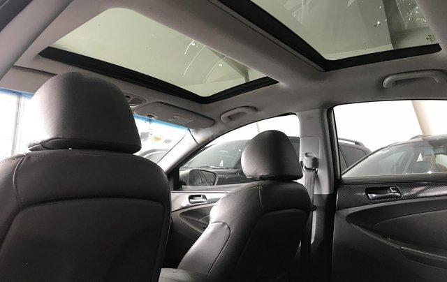 Bán Hyundai Sonata 2.0 2011, màu bạc, xe nhập5