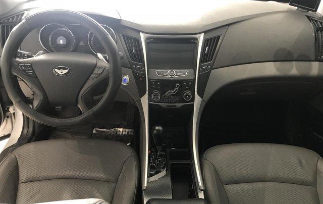 Bán Hyundai Sonata 2.0 2011, màu bạc, xe nhập6