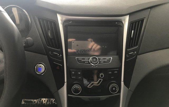 Bán Hyundai Sonata 2.0 2011, màu bạc, xe nhập7