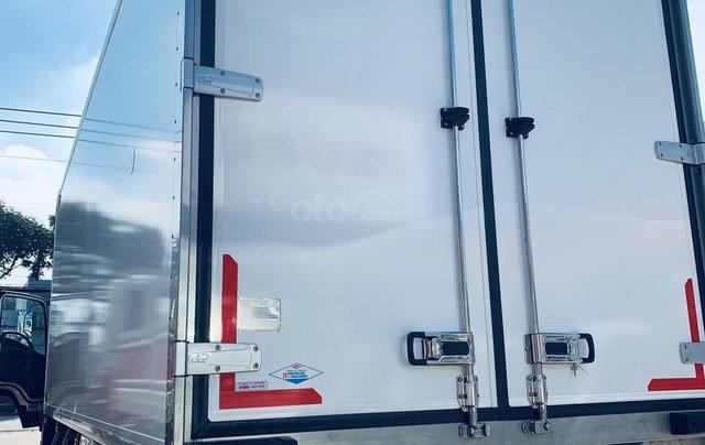 Xe tải Isuzu thùng đông lạnh, tải trọng 8 tấn1