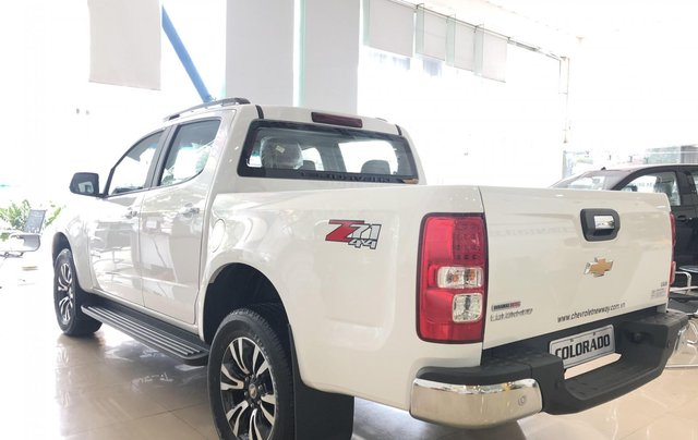 Chevrolet Colorado LTZ - khuyến mãi 50tr tặng gói phụ kiện chính hãng4