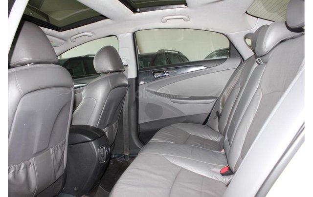 HCM: Hyundai Sonata 2011, màu trắng, xe nhập13