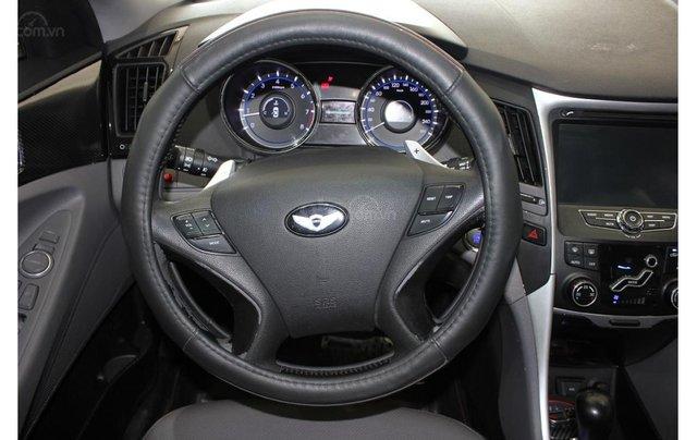 HCM: Hyundai Sonata 2011, màu trắng, xe nhập9