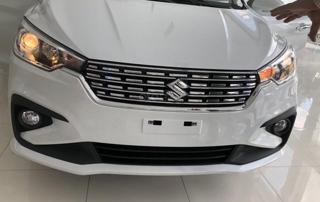 Suzuki Ertiga new - xe có sẵn - giao ngay  - liên hệ: 0906.612.9008