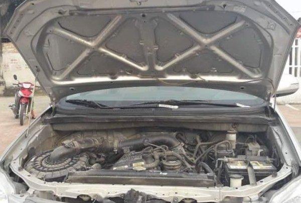 Bán xe Toyota Innova E đời 2015, màu bạc2