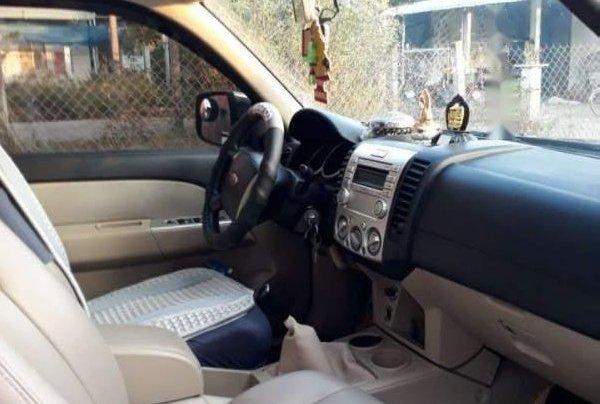 Cần bán xe Ford Everest năm sản xuất 2008, xe nhập4