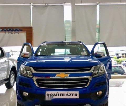 Cần bán Chevrolet Trailblazer sản xuất 2019, màu xanh lam, xe nhập, 785tr0