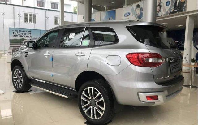 Cần bán Ford Everest đời 2019, màu bạc, nhập khẩu nguyên chiếc, thiết kế hiện đại, tiện nghi2