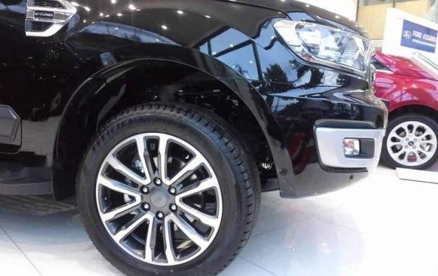 Cần bán xe Ford Everest năm 2019, màu đen, nhập khẩu nguyên chiếc4