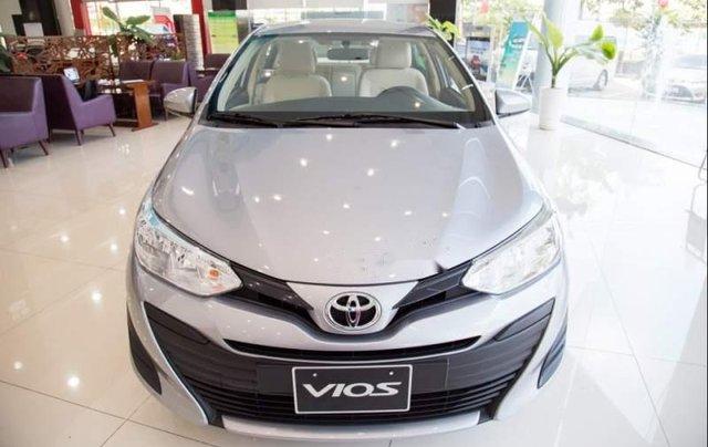 Bán ô tô Toyota Vios E năm 2019, màu bạc0