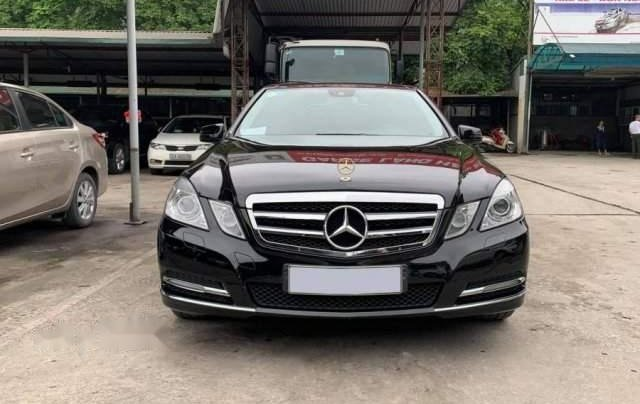 Cần bán lại xe Mercedes E300 sản xuất 2010, màu đen, xe nhập0