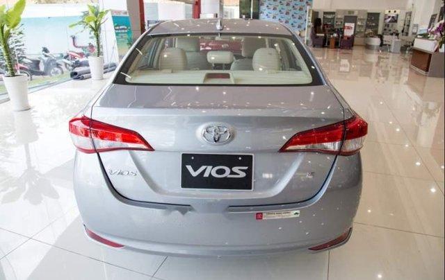 Bán ô tô Toyota Vios E năm 2019, màu bạc2