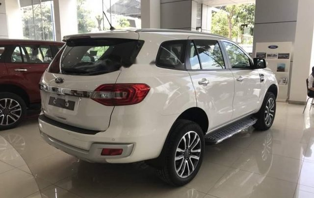 Bán Ford Everest 2019, màu trắng, nhập khẩu nguyên chiếc2
