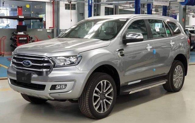 Cần bán Ford Everest đời 2019, màu bạc, nhập khẩu nguyên chiếc, thiết kế hiện đại, tiện nghi3