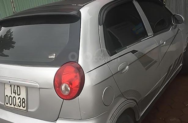 Gia đình bán Chevrolet Spark Van năm sản xuất 2011, màu bạc0
