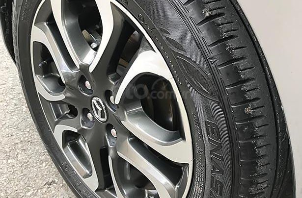 Bán Mazda 2 1.5 AT năm sản xuất 2016, màu xám 3
