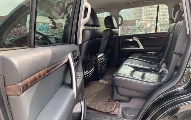 Bán ô tô Toyota Land Cruiser VX 2014, màu đen, đăng ký một chủ từ đầu5