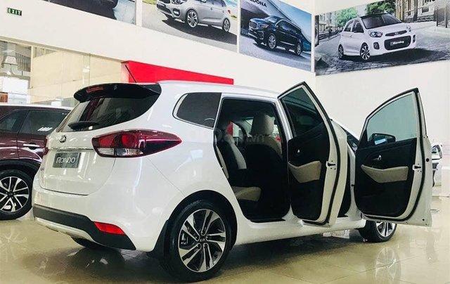 Bán xe Kia Rondo mới giá rẻ nhất thị trường, chỉ 579 triệu2