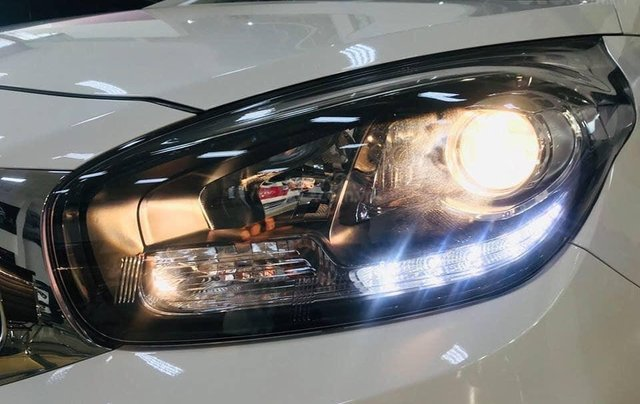 Bán xe Kia Rondo mới giá rẻ nhất thị trường, chỉ 579 triệu3