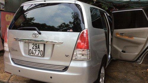 Xe Toyota Innova 2.0 AT năm sản xuất 2010, màu bạc5