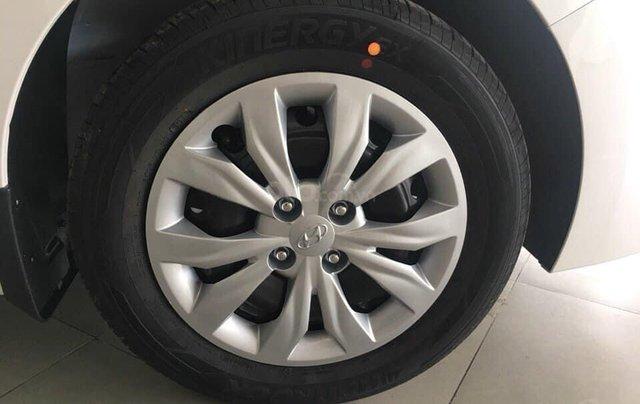 Tặng phụ kiện chính hãng - Giao xe tận nhà khi mua xe Hyundai Accent 1.4 MT Base năm 2019, màu trắng4