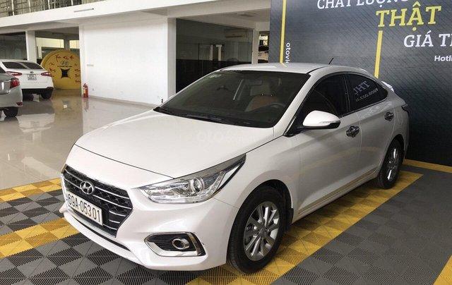 Bán Hyundai Accent 1.4AT màu trắng, số tự độn, g sản xuất 2018, bản tiêu chuẩn đi 16000km0