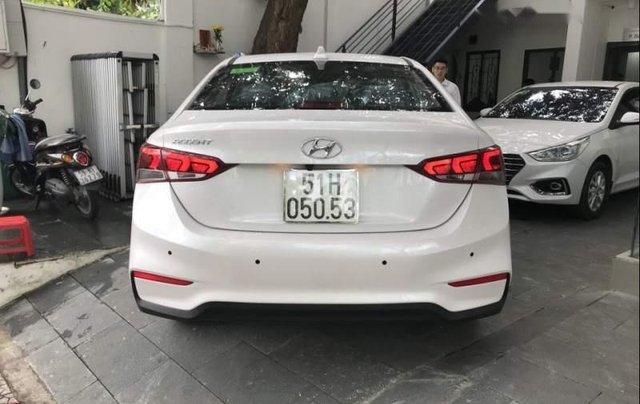 Bán xe Hyundai Accent sản xuất năm 2019, màu trắng4