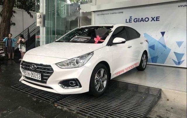 Bán xe Hyundai Accent sản xuất năm 2019, màu trắng3
