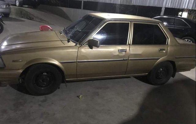 Cần bán lại xe Toyota Corolla 1981, màu vàng, máy êm không đâm đụng0
