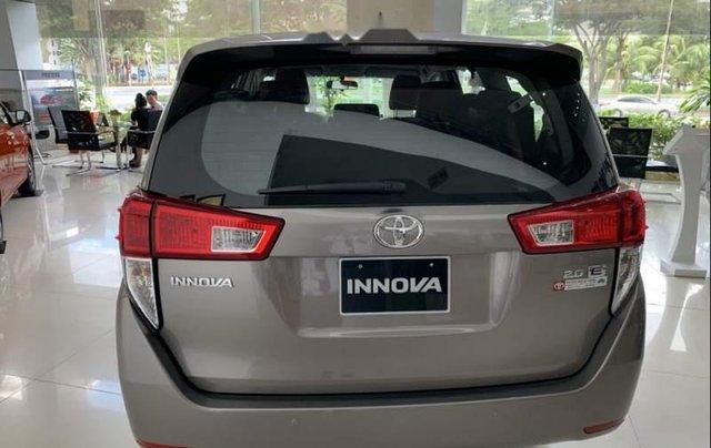 Bán Toyota Innova 2.0E MT năm 2019, xe mới 100%2