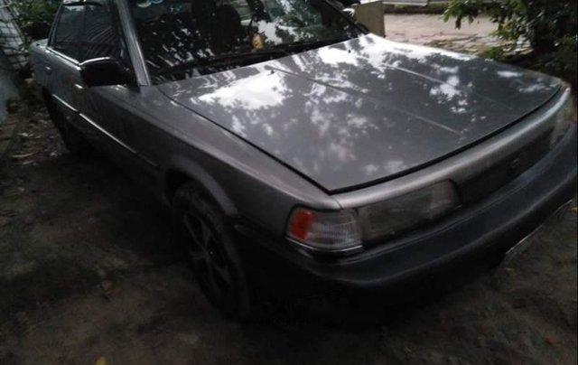 Bán chiếc xe Toyota Camry 1988, xe đẹp, đăng kiểm mới xét, máy móc êm ru, chạy đầm 140km/h0