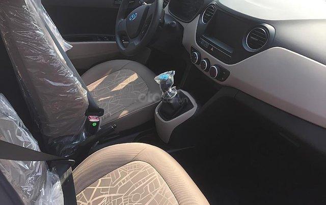 Cần bán Hyundai Grand i10 Base 1.2 năm sản xuất 2019, màu trắng3