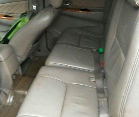 Cần bán gấp Toyota Innova sản xuất năm 2011, màu bạc chính chủ3
